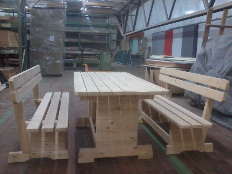 Lesena sedežna garnitura - 1